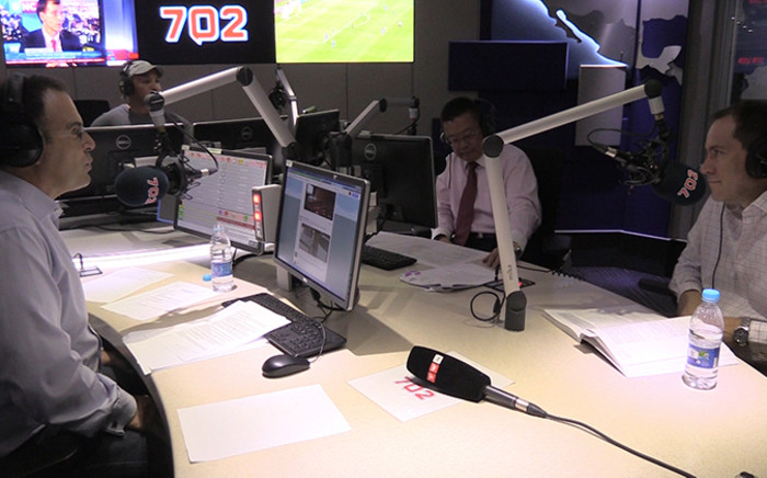 702's Bruce Whitfield discusses the 2015 budget speech with economists George Glynos and Ernie Lai King. Picture: Vumani Mkhize/EWN.