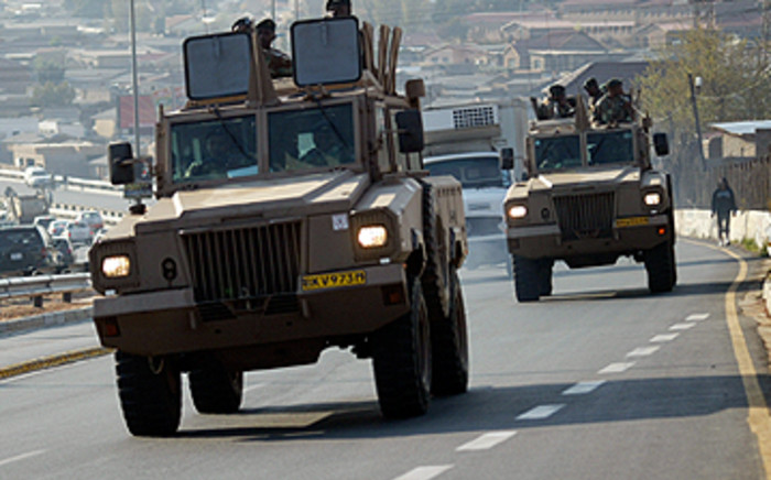 FILE: Members of the South African National Defence Force patrol Rea Vaya routes in Soweto. Picture: EWN