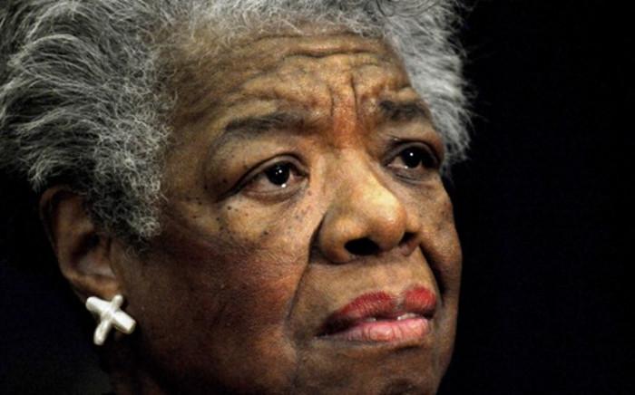 US poet Maya Angelou reads a poem during a ceremony to present Archbishop Desmond Tutu the William J. Fulbright Prize for International Understanding, 21 November 2008. Picture: AFP.