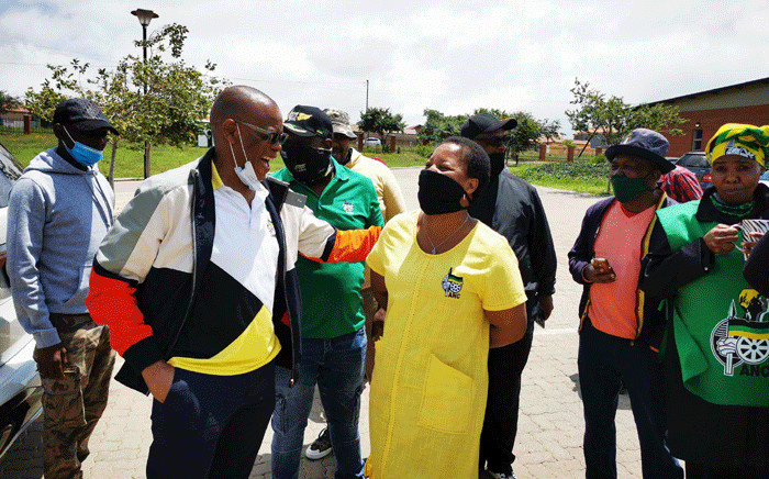 ANC secretary general Ace Magashule arrives at Chief Mogale community hall in the West Rand ahead of a door-to-door campaign in the area to thank the community for voting ANC during the recent by-elections. Picture: @MYANC/Twitter.
