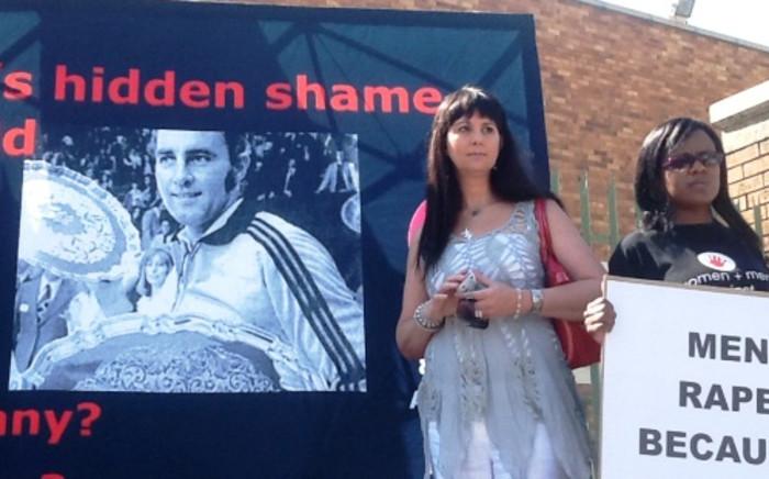 Sueellen Sheehan, one of tennis legend Bob Hewitt's alleged victims, outside the Boksburg Magistrates Court. Picture: Gia Nicolaides/EWN