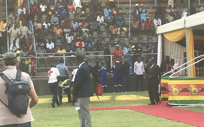 Paramedics pulled those injured from the crowd after a stampede while Zimbabweans viewed the body of the later former President Robert Mugabe. Picture: Clement Manyathela/EWN.