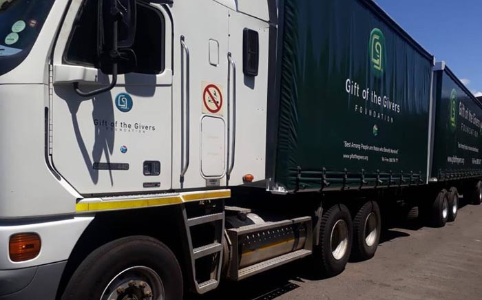 FILE: Gift of the Givers delivered about 150,000 litres of bottled water to the residents of Makhanda in Grahamstown. Picture: @GiftoftheGivers/Facebook.com