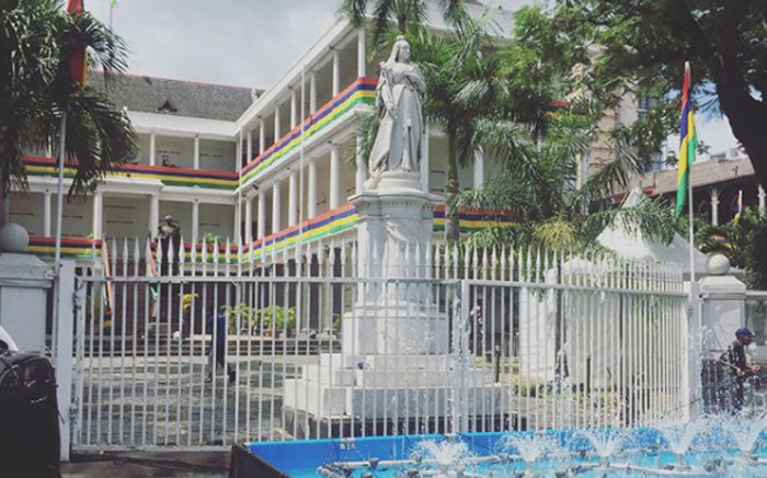 Buildings around Port Louis are draped in the Mauritian flag. Picture: Refilwe Pitjeng/EWN