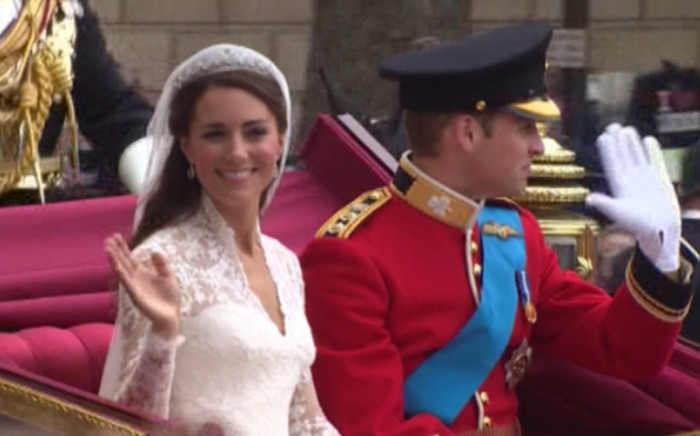 royal couple  parading though the streets of England after wedding. Picture; Screengrab CNN