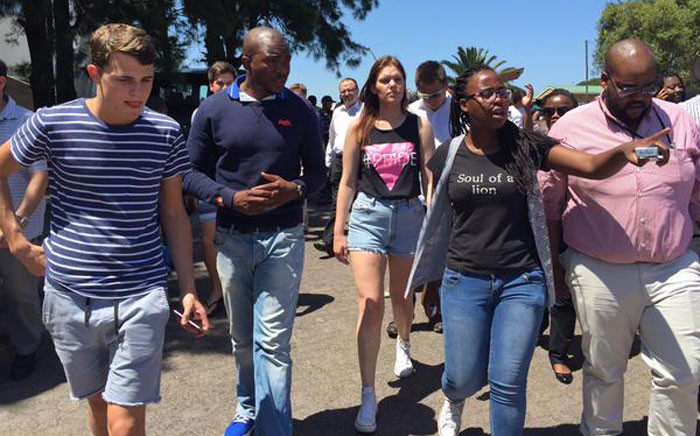Democratic Alliance party leader Mmusi at the University of Cape Town (UCT) during the fees must fall protests. Picture: Natalie Malgas/EWN.