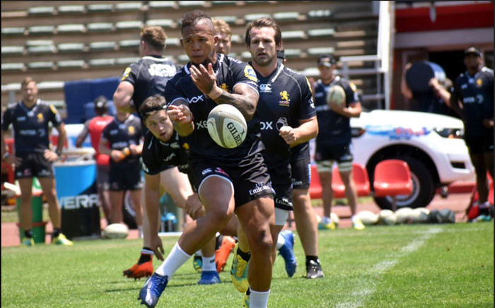 Elton Jantjies during training with the Golden Lions. Picture: @LionsRugbyCo/Twitter