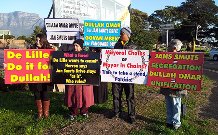 Some Cape Town residents want the Jan Smuts Drive in Athlone to be renamed Dullah Omar Drive. Picture: Supplied