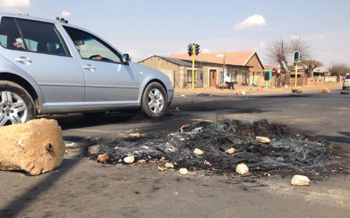 FILE. The demonstrations turned violent with residents burning cars and property this week. Picture:  Reinart Toerien/EWN.
