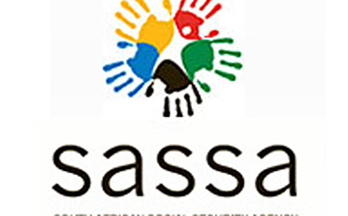 Athlone grant recipients have been forced to stand in long queues as Sassa doesn't have enough money.