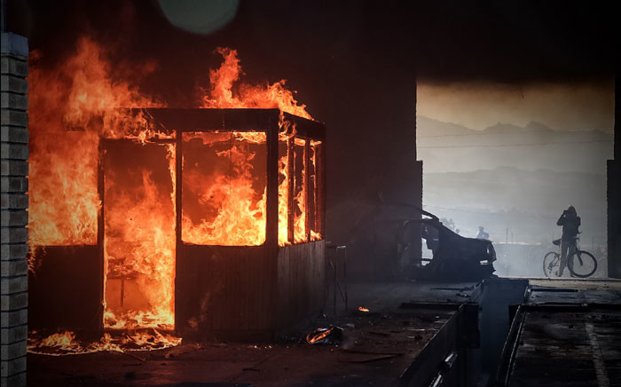 FILE: Grabouw residents torched the local traffic department during a protest on 10 May 2016. Picture: Thomas Holder/EWN.