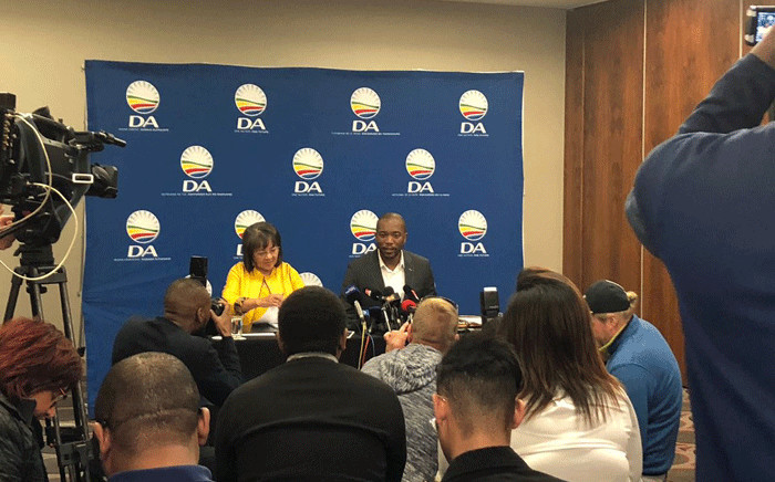 Patricia De Lille and DA leader Mmusi Maimane at a press briefing on 5 August 2018. Picture: @Our_DA/Twitter.