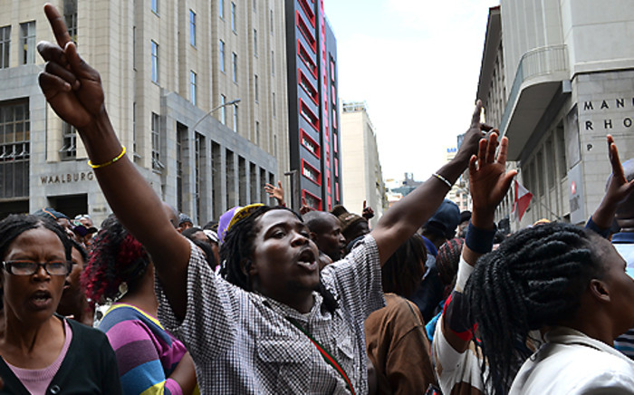 FILE: Protesters demonstrating in front of the Provincial Legislature in the Cape Town CBD on 30 October 2013. Picture: Aletta Gardner/EWN