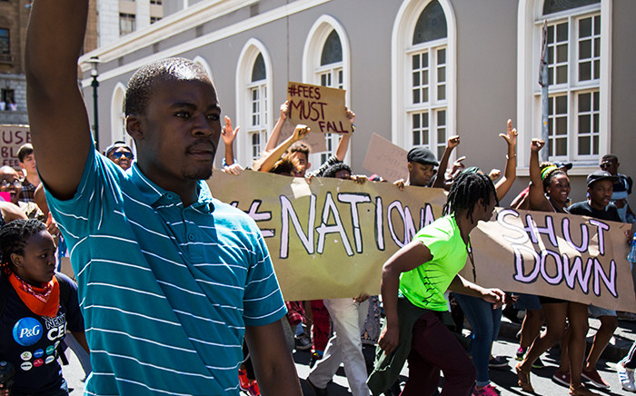 UCT protesters march down Spin Street in Cape Town on their way to Parliament. Picture: Anthony Molyneaux/EWN