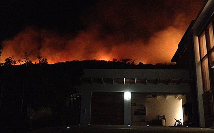 A fire broke out on Table Mountain overnight on Tuesday 4 December, 2012. Picture: @imagedee via Twitter