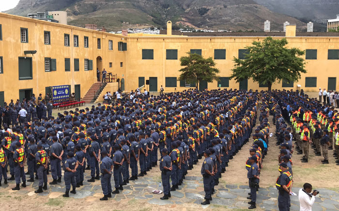 FILE: Hundreds of police officers were deployed to the Cape Town city centre ahead of the State of the Nation Address in Parliament on 16 February 2018. Picture: Kaylynn Palm/EWN