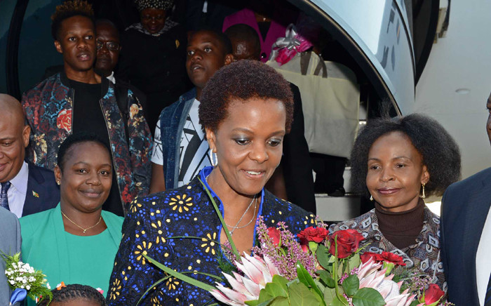 FILE: President Robert Mugabe's wife, Grace, receives flowers upon for the state visit to South Africa on 7 April 2015. Picture: GCIS.