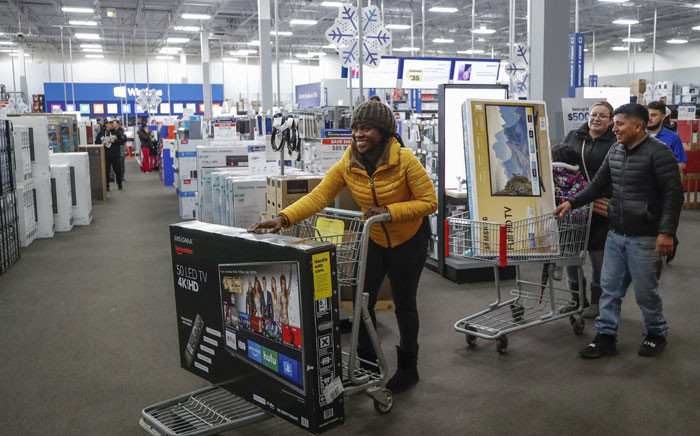 Shoppers buy TV's at a Best Buy Inc. store on 28 November 2019 in Chicago, Illinois. Known as 'Black Friday', the day after Thanksgiving marks the beginning of the holiday shopping season. Picture: AFP