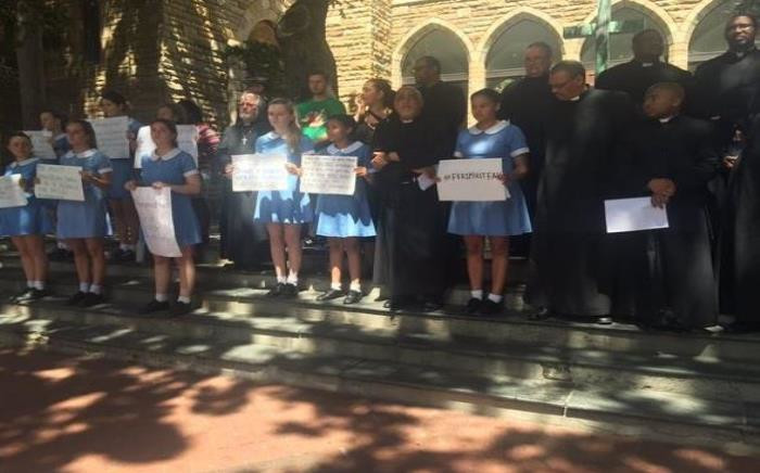 A vigil at the St George's Cathedral in Cape Town in support of the #FeesMustFall movement. Picture: Monique Mortlock/EWN.