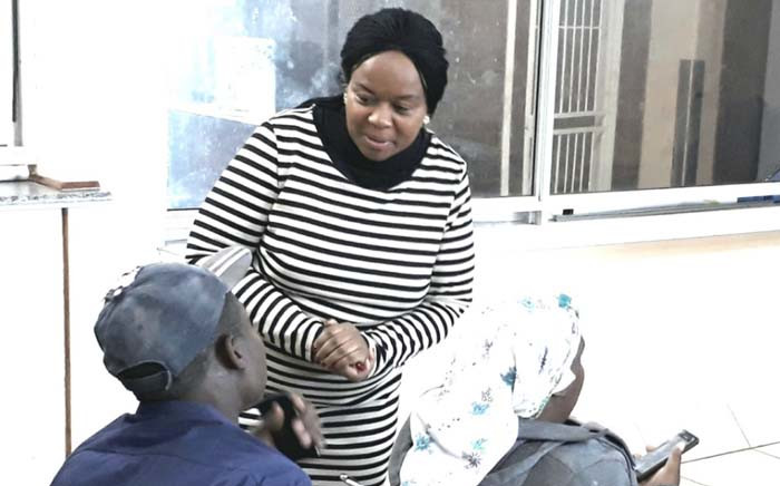 FILE: Gauteng Health MEC Gwen Ramokgopa interacts with a patient during an unannounced visit to Dr Yusuf Dadoo Hospital. Picture: @GautengHealth/Twitter