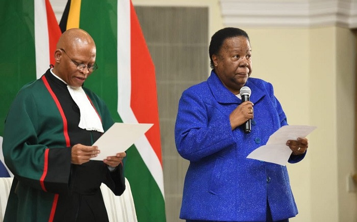 International Relations Minister Naledi Pandor being sworn in on Thursday, 30 May 2019 for President Cyril Ramaphosa's new Cabinet. Picture: @Dirco_ZA/Twitter