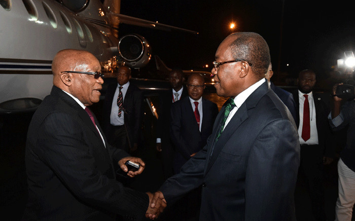 President Jacob Zuma received by Minister of External Relations Manuel Domingos on his arrival in Angola to attend SADC Troika meeting. Picture: GCIS.