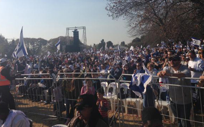 Thousands of people attending the pro-Israel rally at Huddle Park in Linksfield. Picture: Valeska Abreu