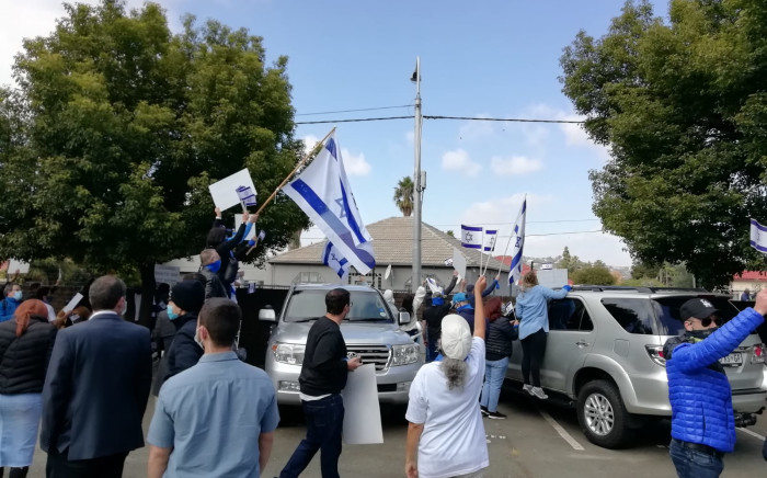 The South African Zionist Federation said the aim of the rally on Sunday, 23 May 2021, wass to call on all South Africans to respect the rights and freedoms of Israel. Picture: Twitter/@MZANSIISRAEL