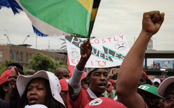 Cosatu begins its march against job losses at Mary Fitzgerald Square in Johannesburg with protest songs and dancing. Picture: Thomas Holder/EWN