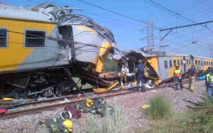 The scene of the train collision near Pretoria, on 31 January 2013. Picture via Twitter: @MedixGauteng