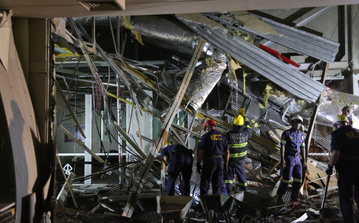 FILE: Emergency services on the scene at Charlotte Maxeke Academic Hospital following a roof collapse on 2 March 2017. Picture: Christa Eybers/EWN.