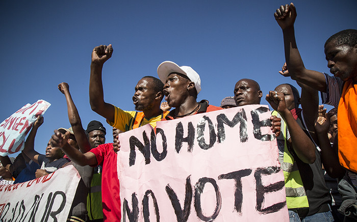 FILE: Several Dunoon residents protested two weeks ago, demanding their own land from the City of Cape Town. Picture: Thomas Holder/EWN.