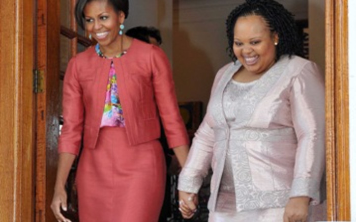FILE: Michelle Obama (L) with President Jacob Zuma's wife Nompumelelo Ntuli-Zuma (R). Picture: EWN.