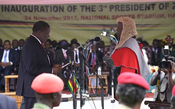 FILE: Emmerson Mnangagwa is sworn in as Zimbabwe's new president in Harare on 24 November 2017. Picture: AFP.