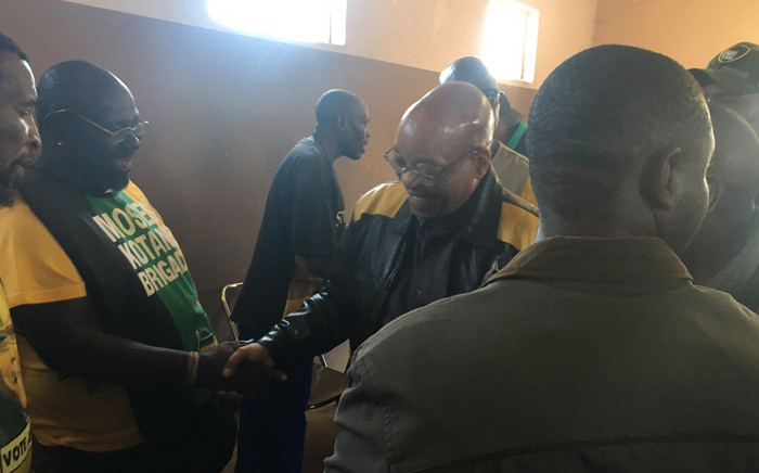 President Jacob Zuma greets chiefs during a visit at one of the hostels in Tembisa. Picture: Clement Manyathela/EWN.