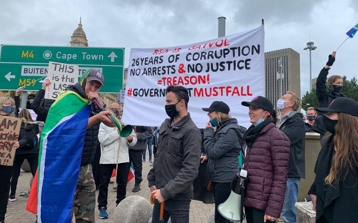 Capetonians gathered at the Grand Parade on 5 September 2020 to protest against corruption, farm murders, gender-based violence, and child killings. Picture: Kaylynn Palm/EWN.