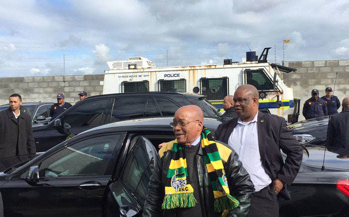 ANC President Jacob Zuma arrives in Philippi for briefing on today's door-to-door campaign. Picture: Xolani Koyana/EWN.