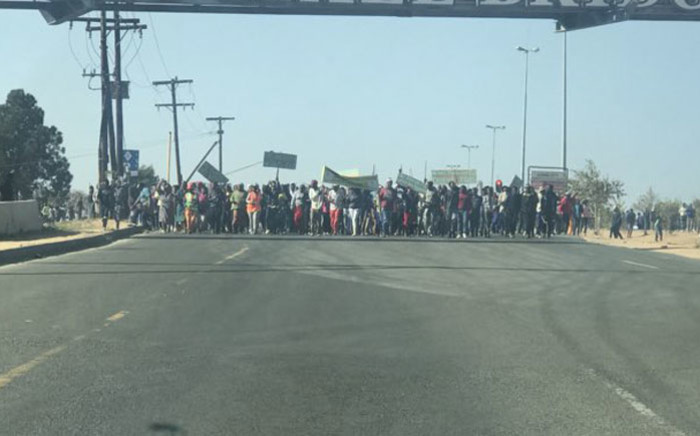 Protesters march along Malibongwe Drive in Johannesburg on 3 September 2018. Picture: Via @EWNTraffic/Twitter