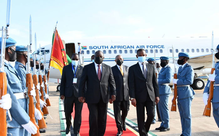 President Cyril Ramaphosa arrives in Maputo, Mozambique on 8 April 2021 for an SADC summit on the insurgency crisis in the country. Picture: @PresidencyZA/Twitter