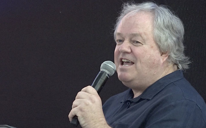 FILE: Veteran journalist Jacques Pauw speaks at the launch of his book 'The President's Keepers' at the Brooklyn Mall in Pretoria on 9 November 2017. Picture: Louise McAuliffe/EWN