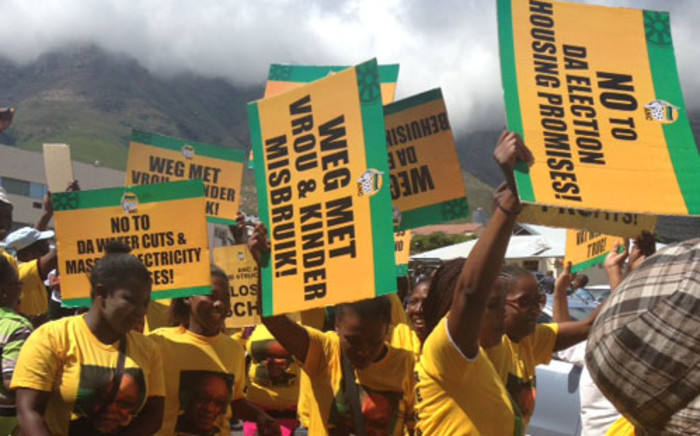 ANC supporters march for housing in the Cape Town CBD on 5 February 2014. Picture: Lauren Isaacs/EWN