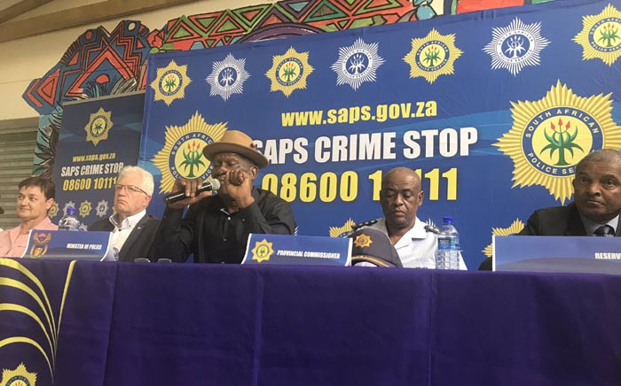 Police Minister Bheki Cele addressing residents of Hout Bay following violence over taxi routes in the area. Picture: Monique Mortlock/EWN