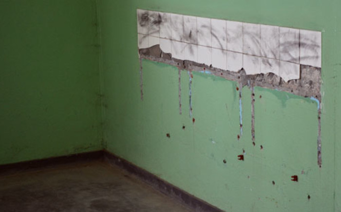 Toilets at a Cape Town school where intruders ripped basins from the wall. Picture: Aletta Gardner/EWN