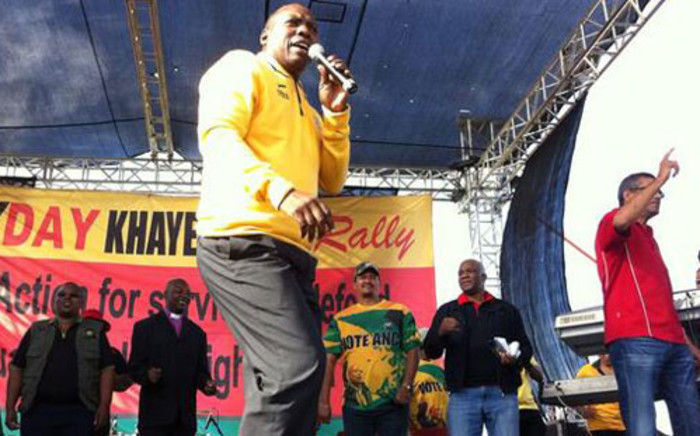 ANC's Zweli Mkhize addresses the crowd during a Workers Day rally in Khayelitsha. Picture: Siyabonga Sesant/EWN
