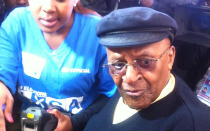 Archbishop Emeritus Desmond Tutu in Milnerton to cast his vote. Picture: Mia Spies/EWN.