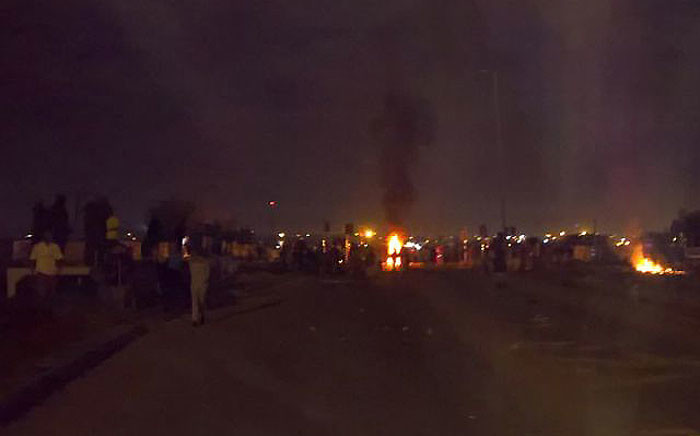 Reiger Park residents protested on 9 March 2017 over service delivery in the area. Picture: @osterlindr