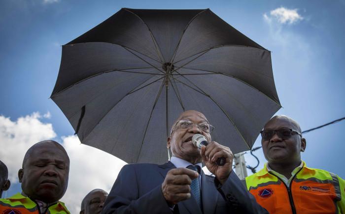 President Jacob Zuma, Gauteng Premier David Makhura (R) and Min of Cooperative Governance Des van Rooyen address resident of Setjwetla in Alexandra. Picture: Thomas Holder/EWN