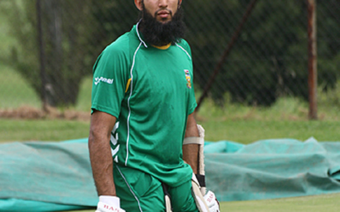 The opening batsman was injured during South Africa's 2nd ODI against Sri Lanka.