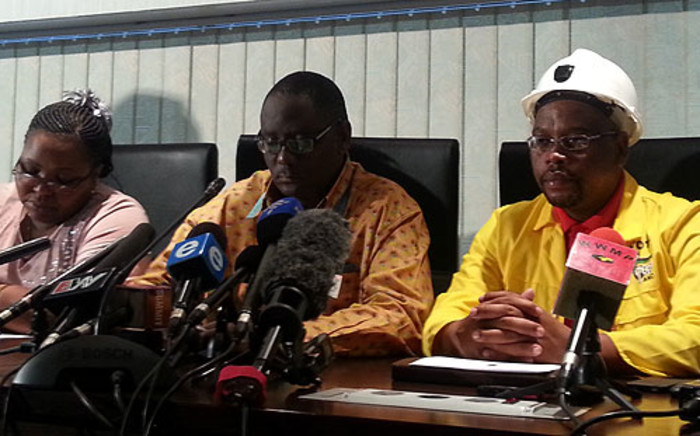 Cosatu briefs the media on the Lonmin Marikana tragedy on 24 August 2012. Picture: Stephen Grootes/EWN