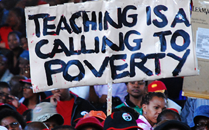 The YCL and Cosas believe South African teachers should be allowed to strike.
